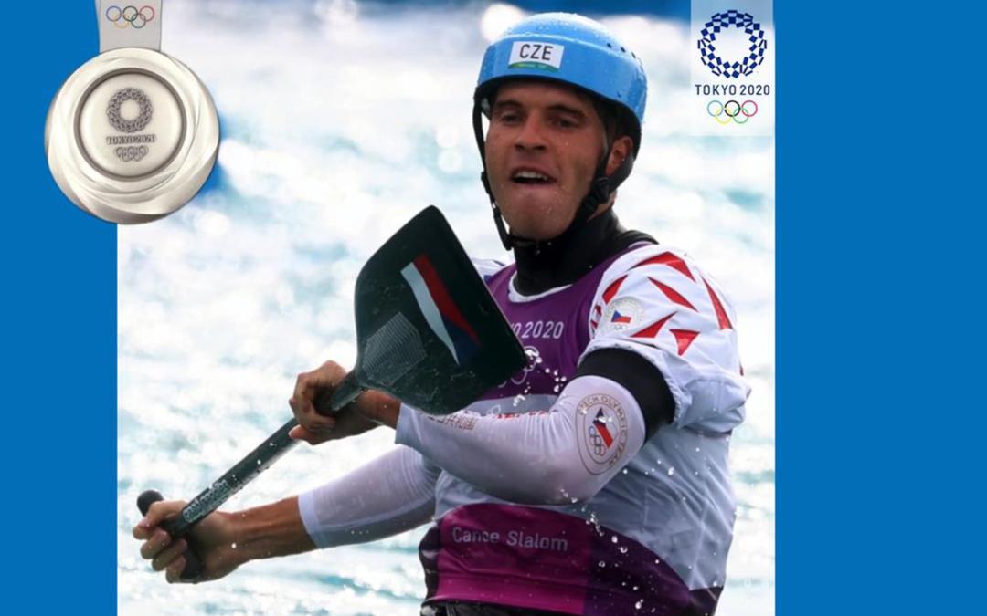 Lukáš Rohan singl canoe dopádloval v Tokiu pro první českou medaili. Krásné stříbro, gratuluji.